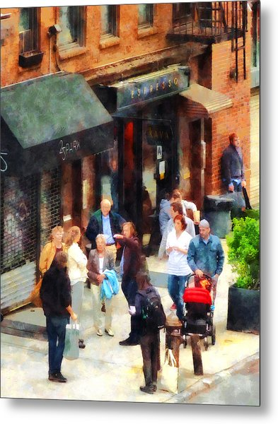 Crowded Sidewalk In New York Metal Print by Susan Savad