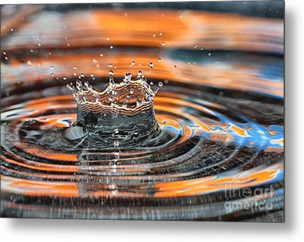 Crown Shaped Water Drop Macro Metal Print