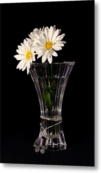 Daisies In Vase Metal Print