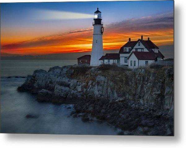 Dawn At Portalnd Head Light Metal Print