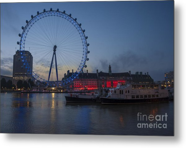 Dawn Light At The London Eye Metal Print by Donald Davis