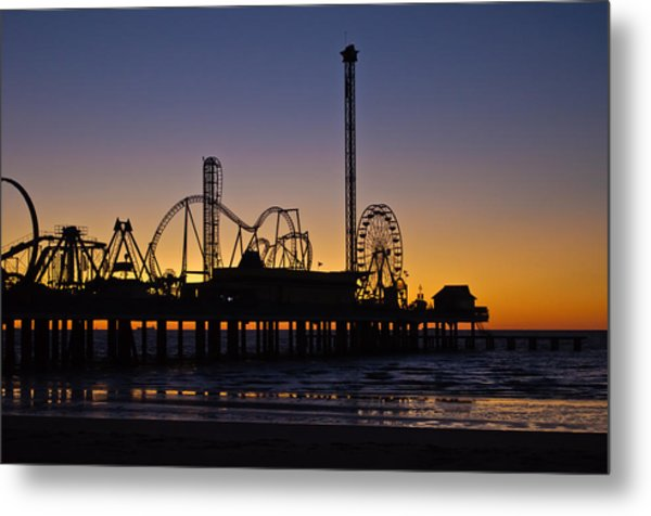 Dawn Over The Pier Metal Print