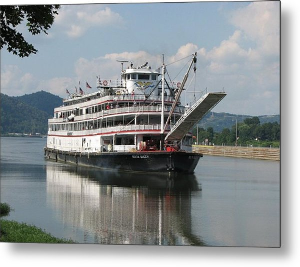 Delta Queen On Ohio River Metal Print by Willy  Nelson