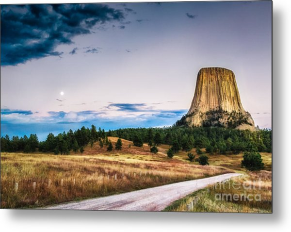 Devils Tower At Sunset And Moonrise Metal Print