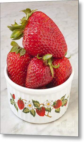 Dish Of Strawberries  Metal Print by Jonathan Welch