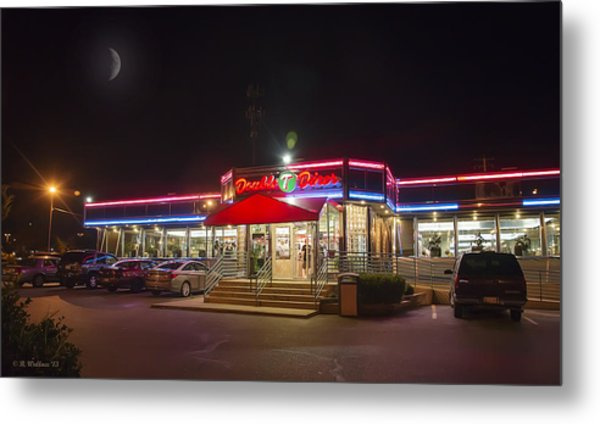 Double T Diner At Night Metal Print