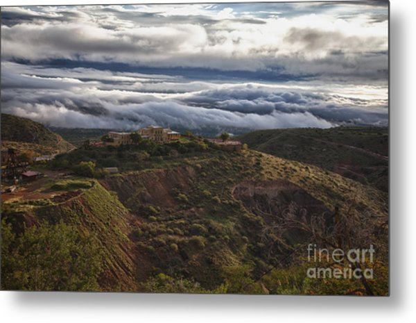 Douglas Mansion With A Sea Of Clouds Metal Print