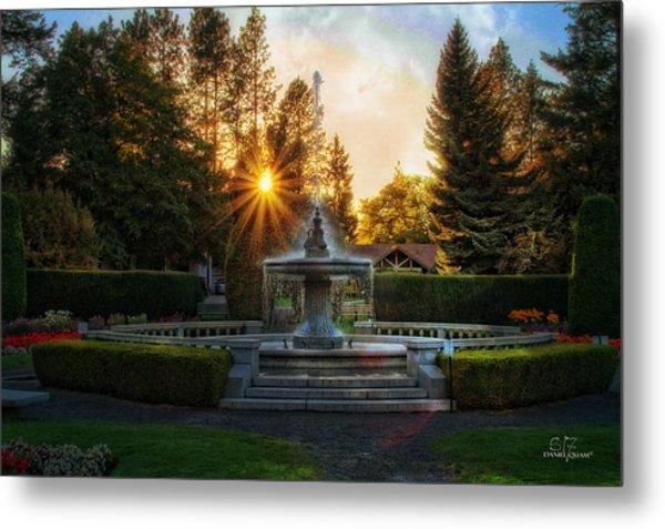 Duncan Gardens Water Fountain Metal Print by Dan Quam