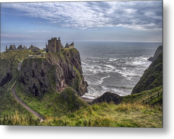 Dunnottar Castle And The Scotland Coast Metal Print