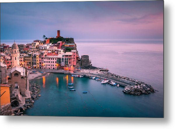 Dusk At Vernazza Metal Print