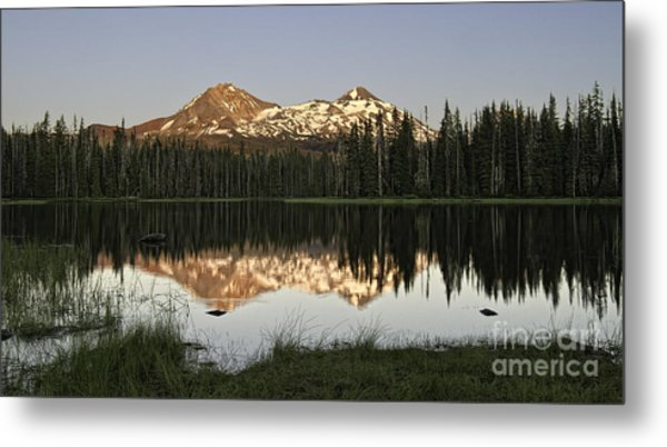 Dusk In The Cascades Metal Print