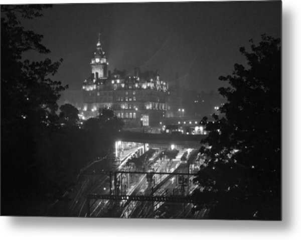 Edinburgh Night Rain Metal Print