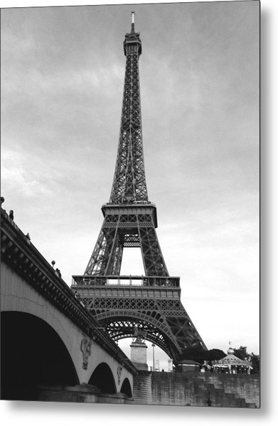 Eiffel Classic Metal Print
