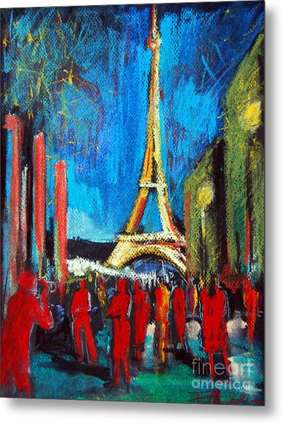 Eiffel Tower And The Red Visitors Metal Print
