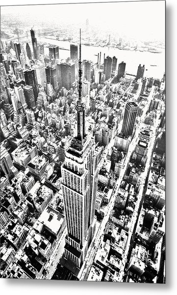 Empire State Building Hdr Bw Metal Print by Kim Lessel