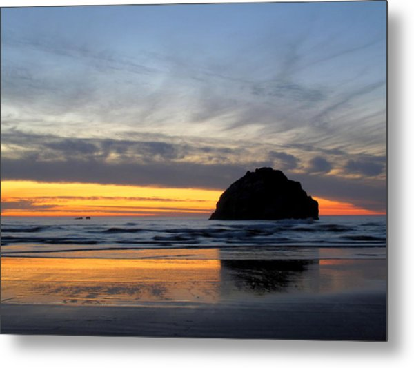 Face Rock Streaks Metal Print