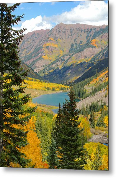 Fall Colors At Maroon Lake Metal Print by Steve Anderson
