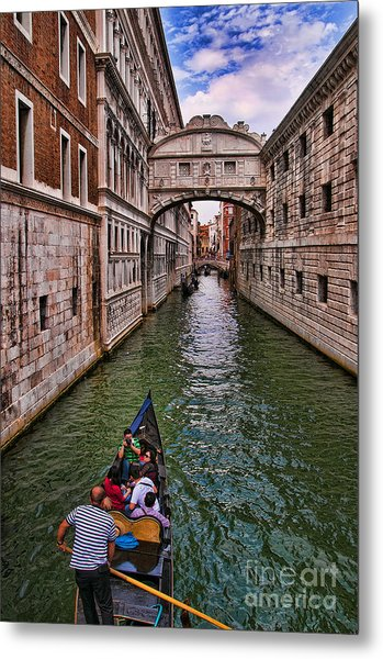 Family Trip Under The Bridge Of Sighs Metal Print
