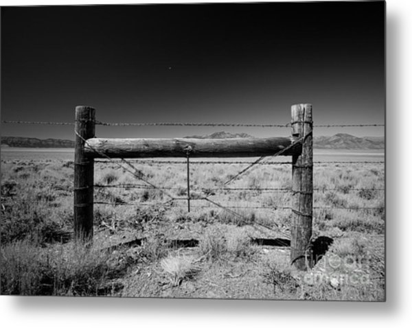 Fence Posts Metal Print by Rick Rhay