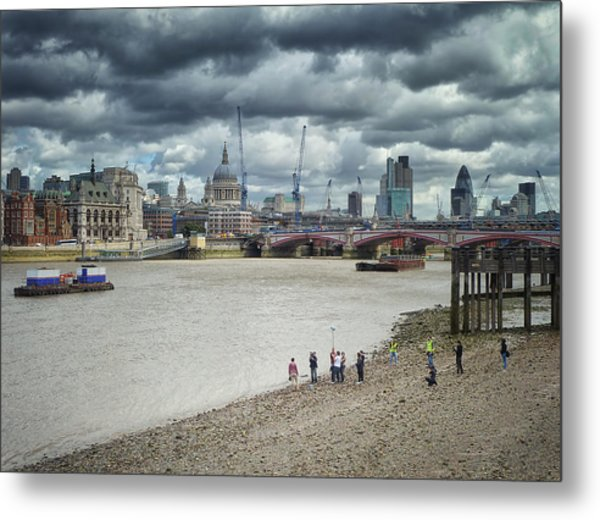 Film Crew On The Thames - London Back-drop Metal Print