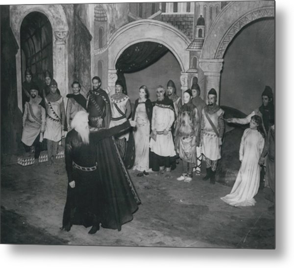 """First Night Of """"king Lear"""" Metal Print by Retro Images Archive"""