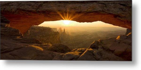 First Rays At Mesa Arch Metal Print