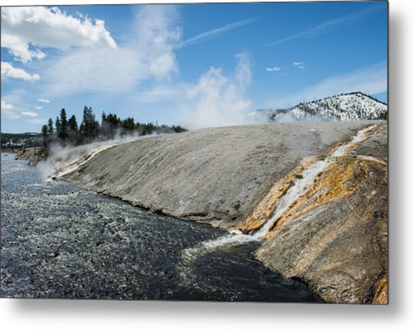 Flows Flowing Metal Print