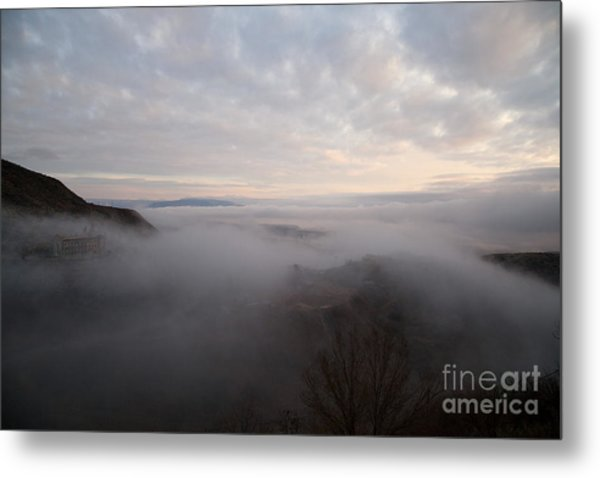 Fog At Sunrise In Jerome Arizona With San Francisco Peaks Of Flagstaff In The Distance Metal Print