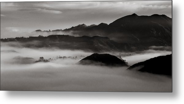 Fog In The Malibu Hills Metal Print