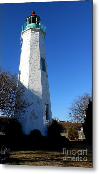 Fort Monroe Lighthouse Metal Print by Lesley Giles