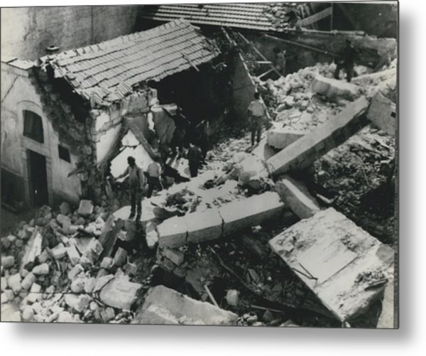 Forty Dead In Flats Collapse In Italy Metal Print by Retro Images Archive