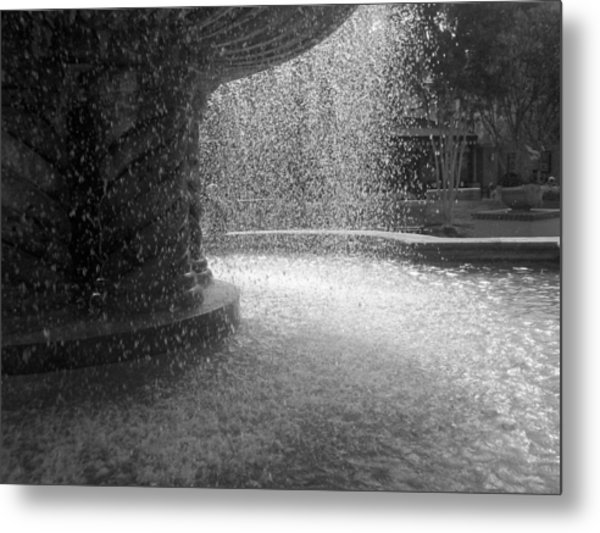 Fountain In Black And White Metal Print