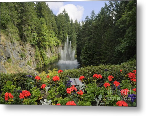Fountain In Butchart Gardens Metal Print