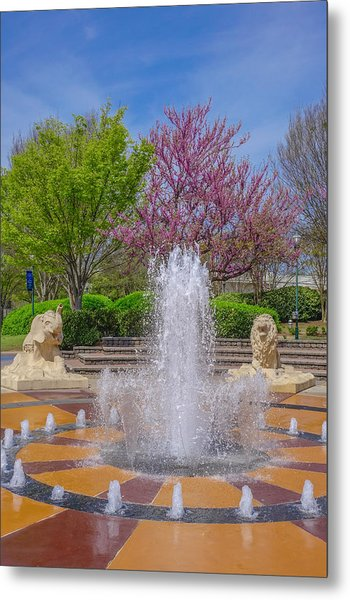 Fountain In Coolidge Park Metal Print