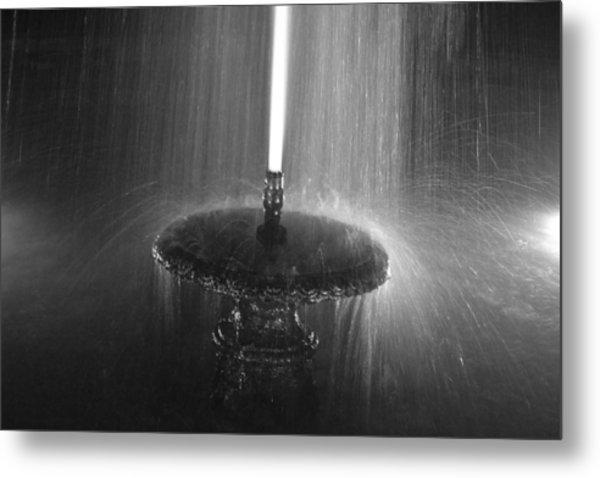 Fountain Spray Metal Print