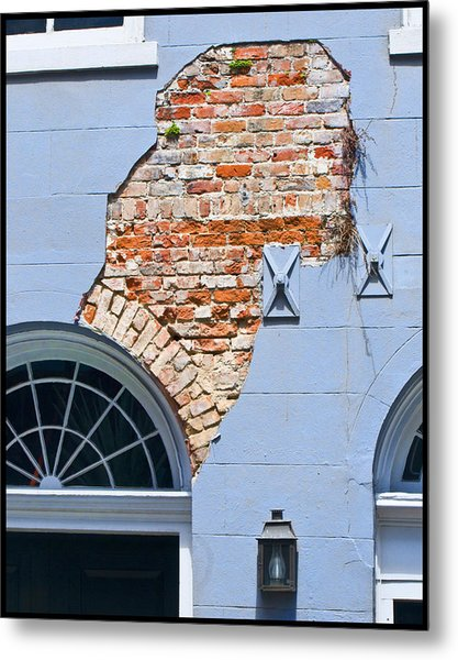 French Quarter Architecture Metal Print by Ray Devlin