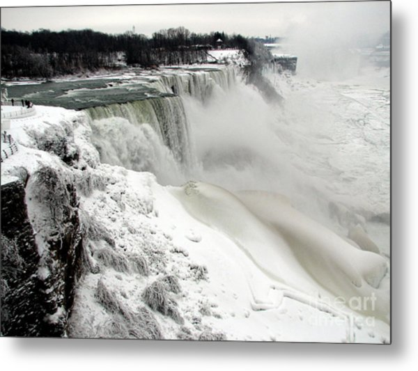 Frozen Niagara And Bridal Veil Falls Metal Print