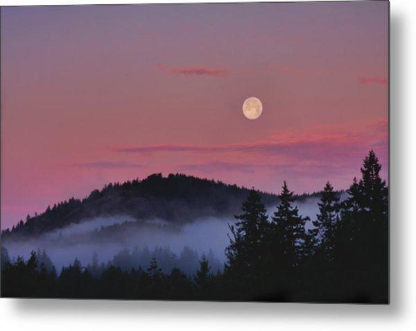 Full Moon At Dawn Metal Print