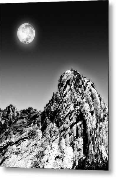Full Moon Over The Suicide Rock Metal Print