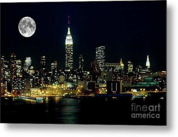 Full Moon Rising - New York City Metal Print