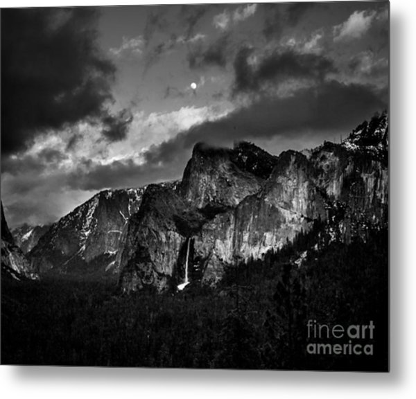 Full Moon View Metal Print