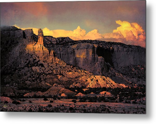 Georgia O Keefes Ghost Ranch House - Last Moments Of Sun Metal Print