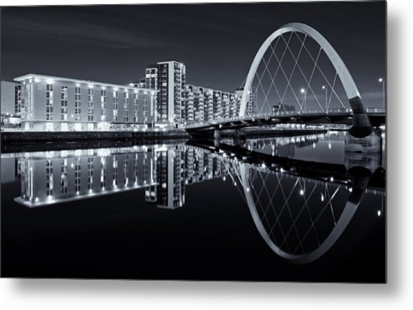 Glasgow In Black And White Metal Print
