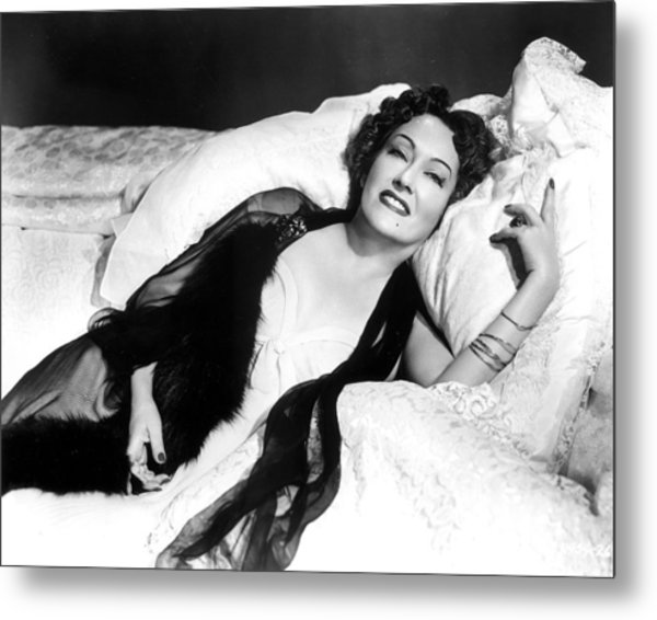 Gloria Swanson In Sunset Blvd.  Metal Print by Silver Screen