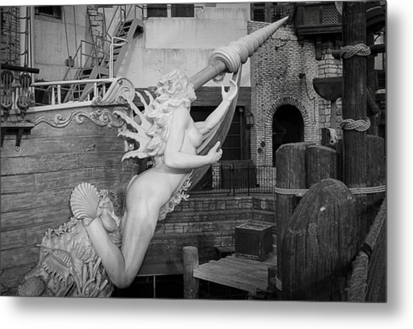 Go Figurehead Metal Print by  Vince Maggio