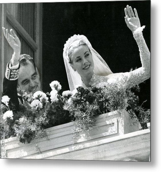 Grace Kelly Waves Metal Print