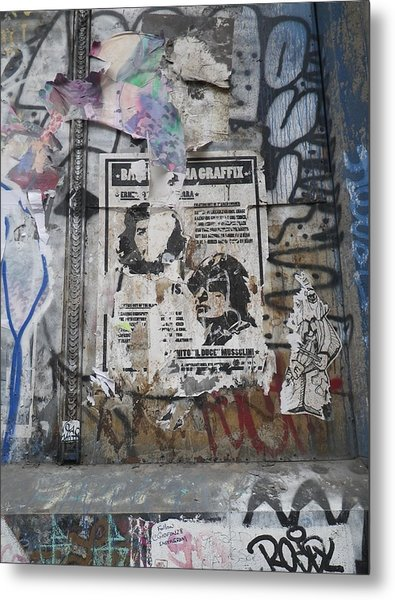 Graffiti In New York City Che Guevara Mussolini  Metal Print