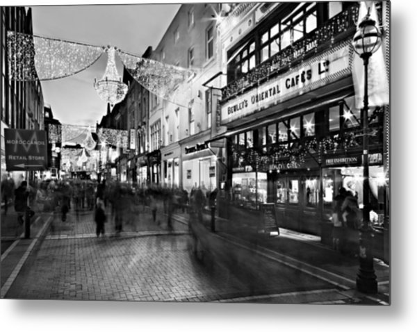 Metal Print featuring the photograph Grafton Street At Night / Dublin by Barry O Carroll
