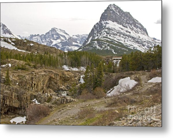 Grindle Mountain Metal Print by Russell Christie