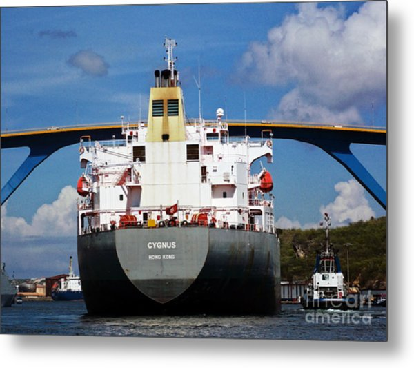 Guided Under Queen Julianna Bridge In Curacao Metal Print